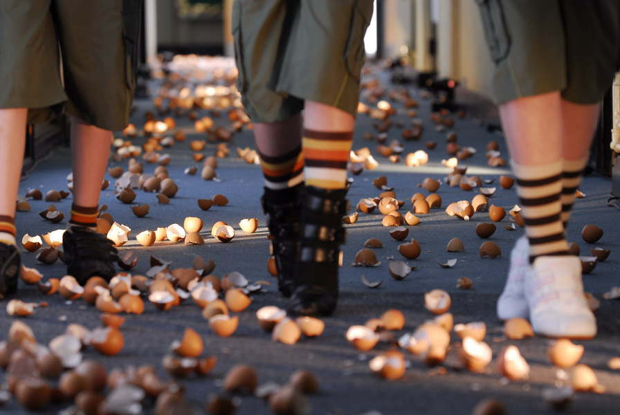 Nest (performance documentation: Walking on Eggshells) Sarah Cole, 2008, photograph Kevin Dutton
